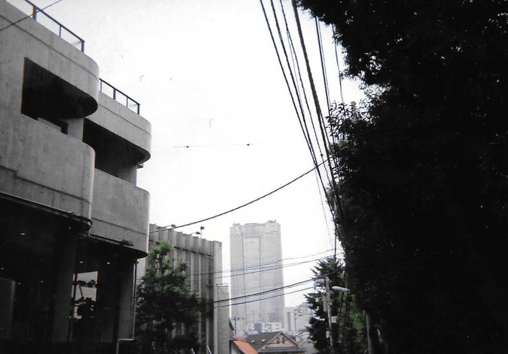 Mori Tower 2015-09 Tokyo, Minami Aoyama Fujicolor 1600 Hi-speed