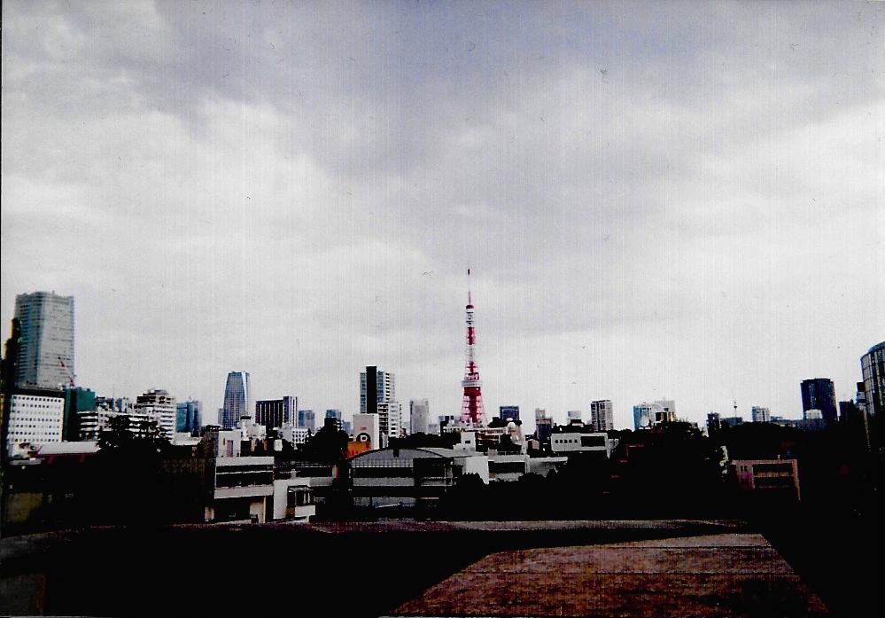 Red tower 2015-10 Tokyo, Roppongi Fujicolor 1600 Hi-speed